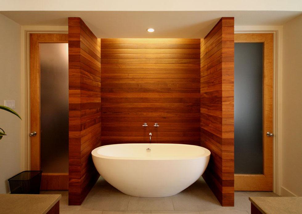 modern-residential-bathtub-and-teak-wall
