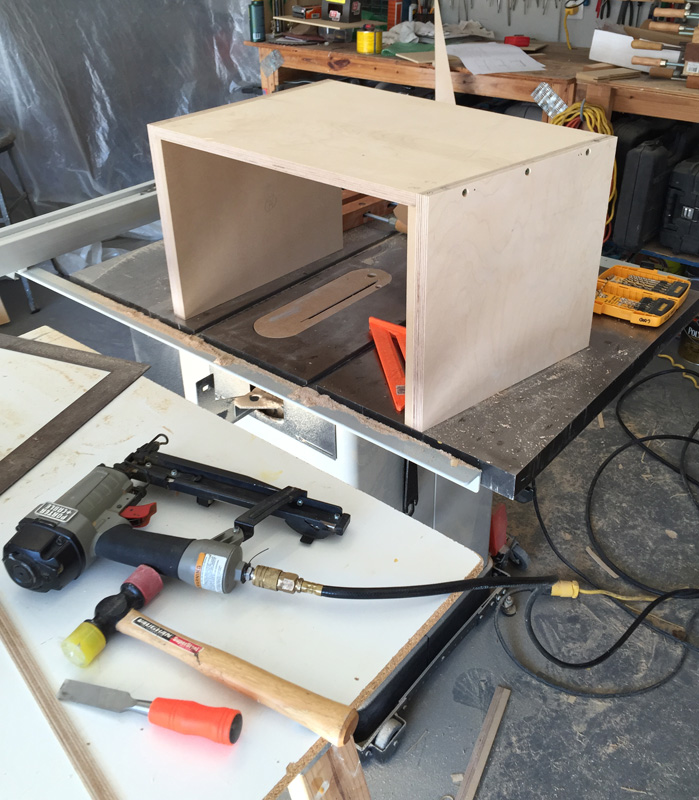seismic-coffee-table-assembly-image08