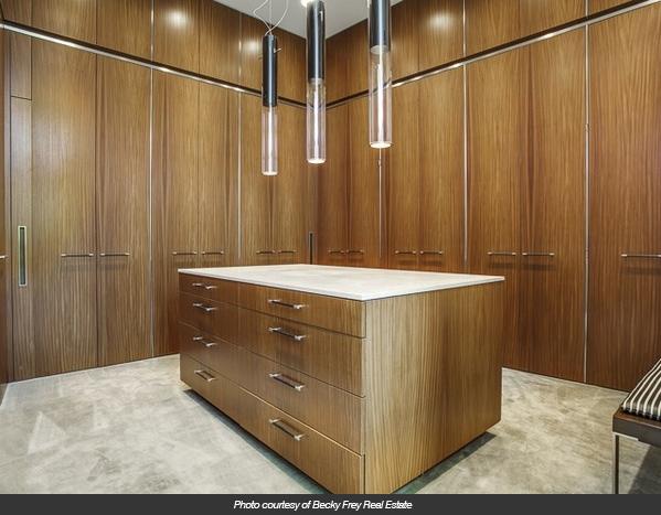 modern-residence-master-closet-photo
